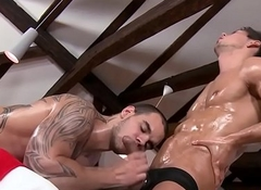 Untrained deep throats masseur