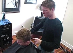 Happy-go-lucky hairdresser fucking his jock customer